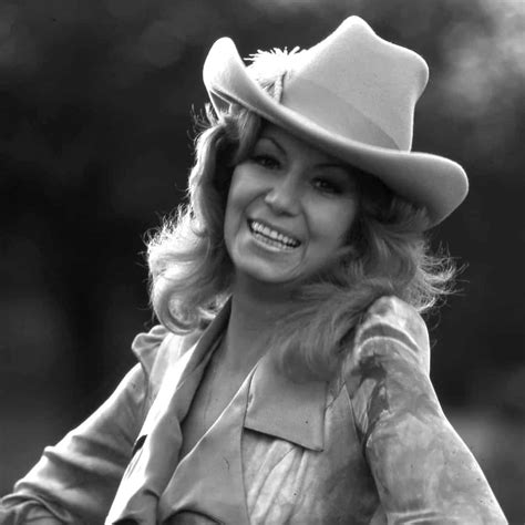 Dottie West - Country Music Hall of Fame