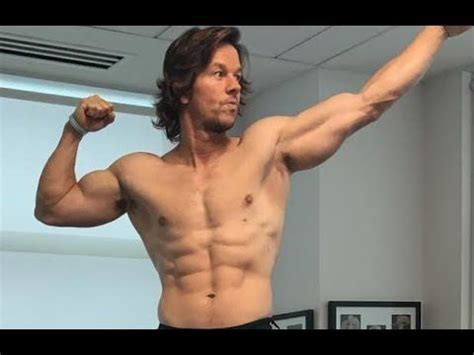 (1) Mark Wahlberg's Mile 22 Workout Explained By His