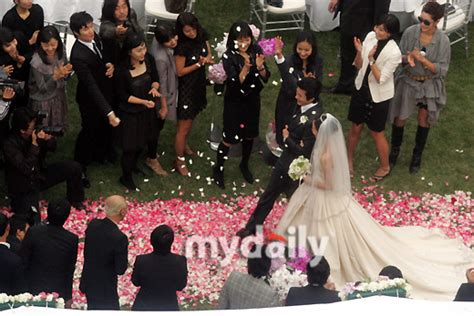 Congratulations to the new married couple! | Asianluvs