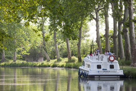 55% of Le Boat's bookings come from travel agents and now